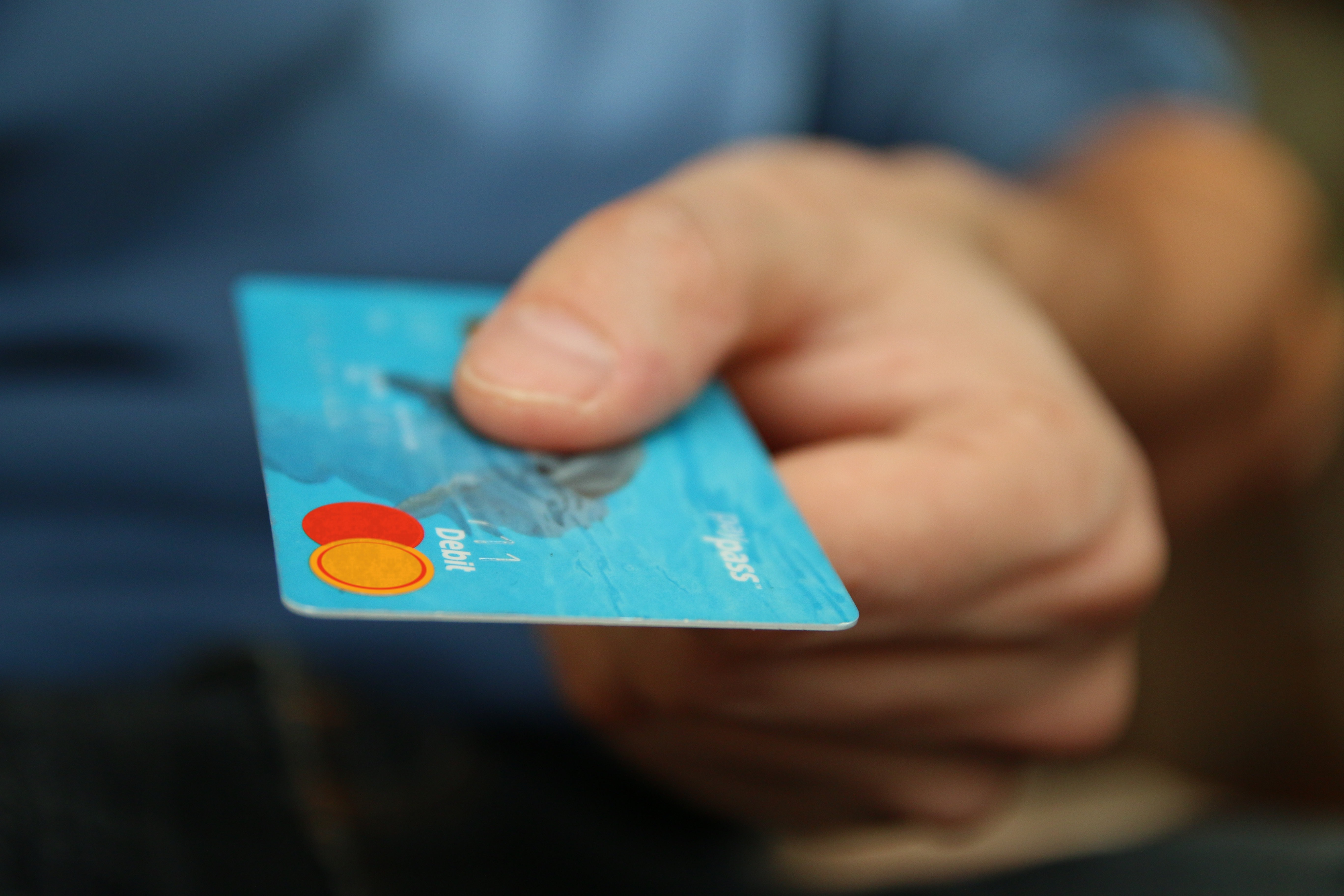 AdvCash Debit Card program for Russia is now live